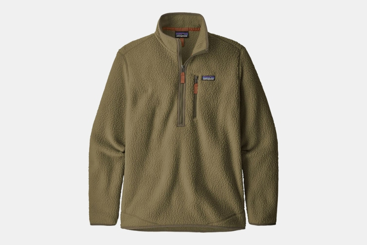Deal: This Very On-Trend Retro Patagonia Pullover Is 42% Off