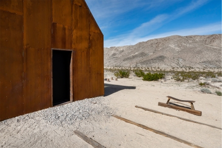 Stay right in the midst of Joshua Tree National Park