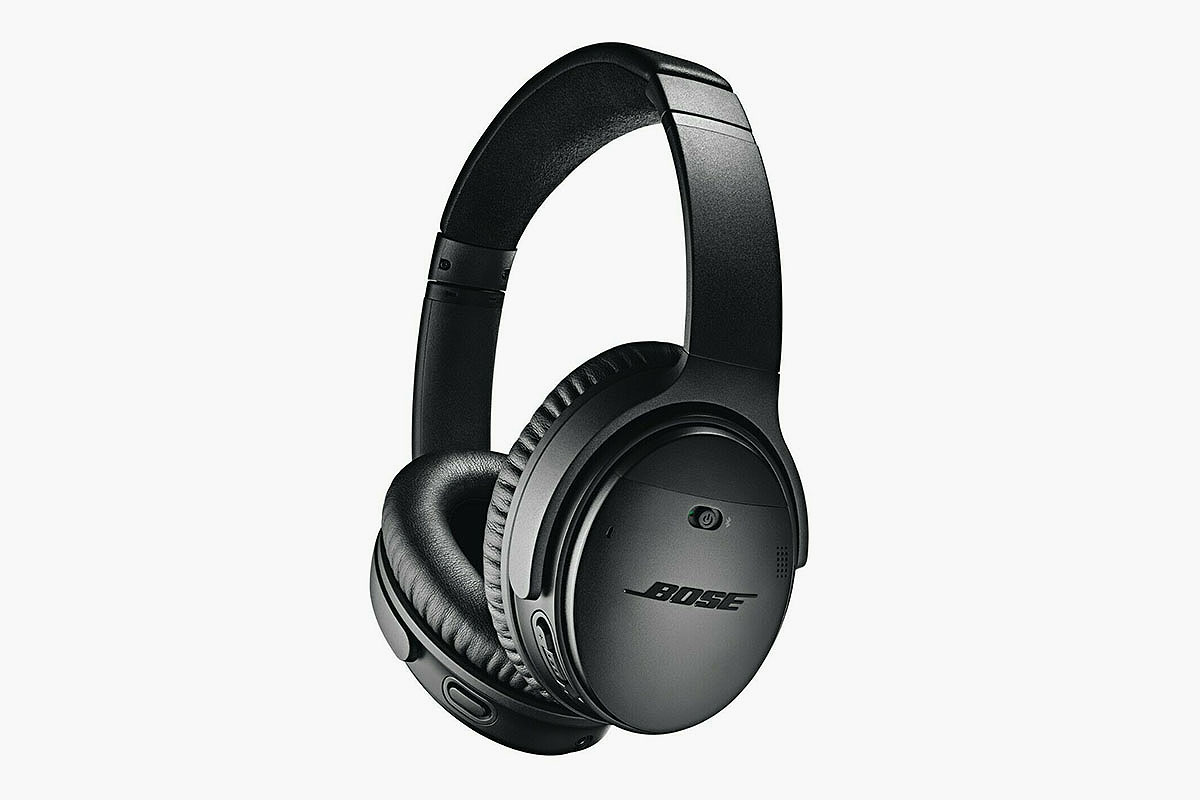 Deal: Get a Pair of Bose QC-35s for Less Than $200