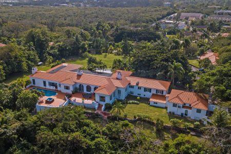 Bahamas estate