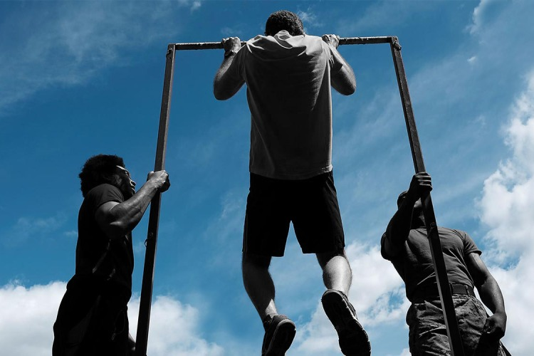 Hanging from a Pull-Up Bar for a Few Minutes Each Day Will Fix Your Shoulders