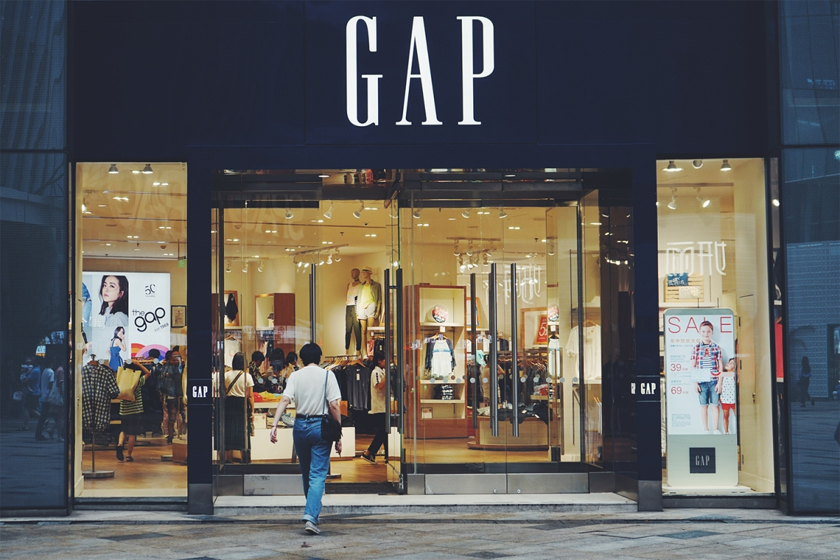 Gap clothing retail storefront
