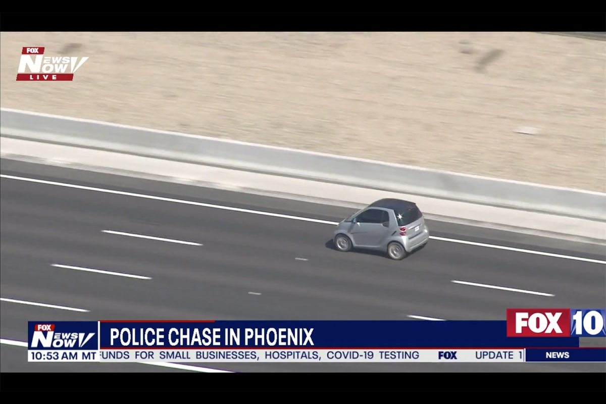Smart Car Fortwo outruns police in Phoenix chase