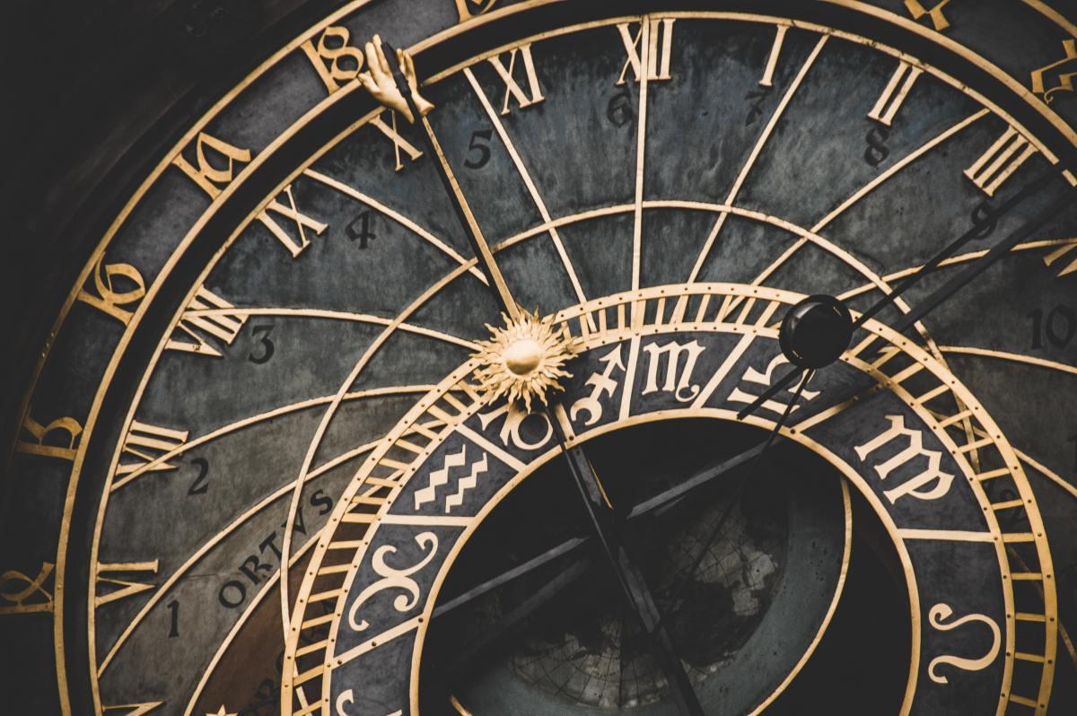 bezos clock