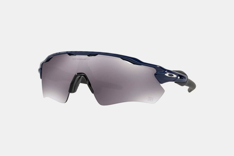 Deal: Oakley Sunglasses Are $65 Off at Dick's Sporting Goods