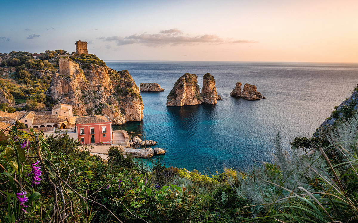 Sicily Pledges to Pay Half of Visitors' Flight Costs for Late 2020 Vacations