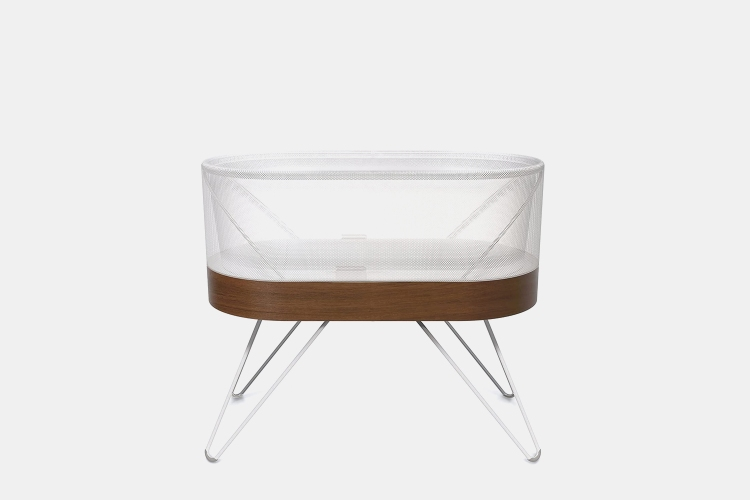 This High-Tech Bassinet Will Put Your Baby Right to Sleep