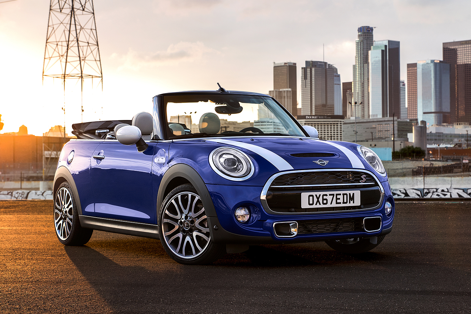 2020 Mini Convertible in blue and white