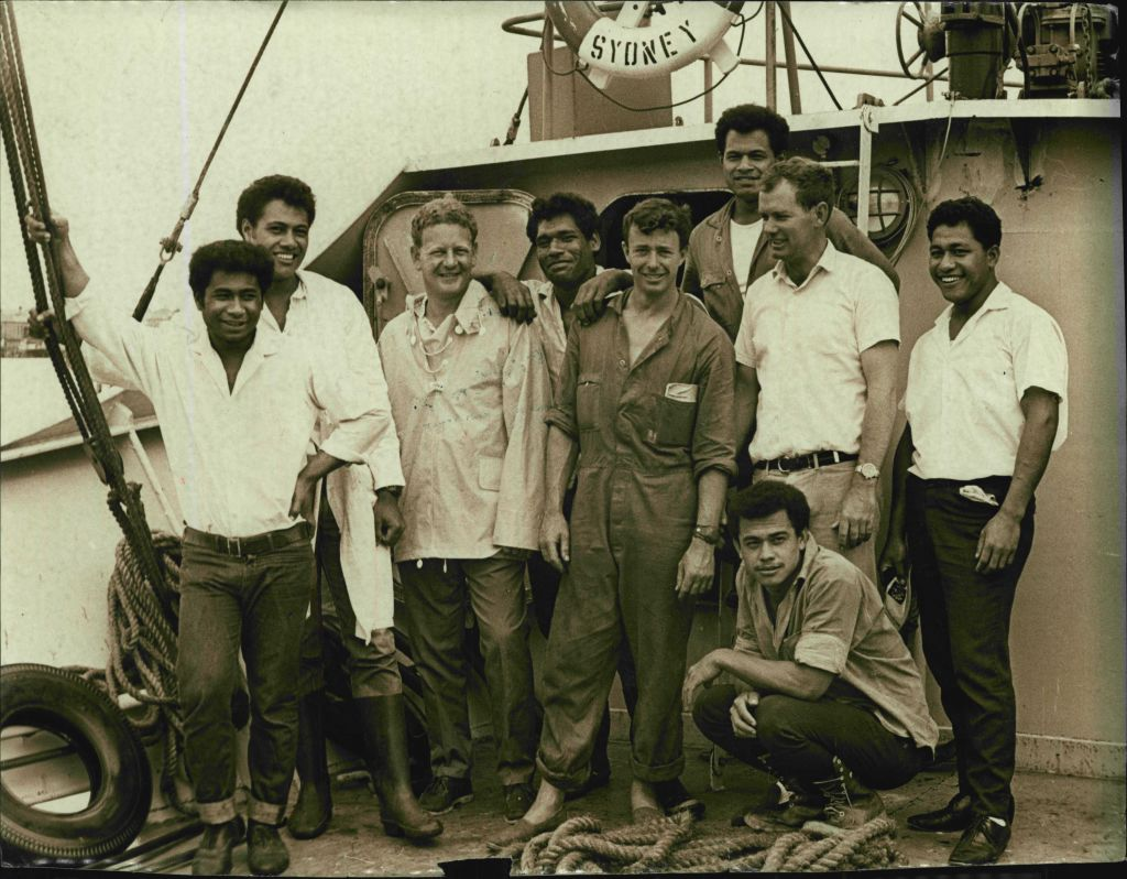 Mr. Peter Warner with his crew (L-R) David, John, Peter Warner, Luke, Bill, Stephen, Jim Kolo and Mano.