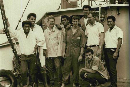 Mr. Peter Warner with his crew (L-R) David, John, Peter Warner, Luke, Bill, Stephen, Jim Kolo and Mano.