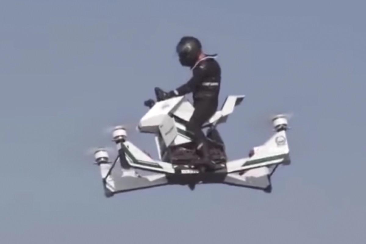 Dubai police riding a Hoversurf Hoverbike
