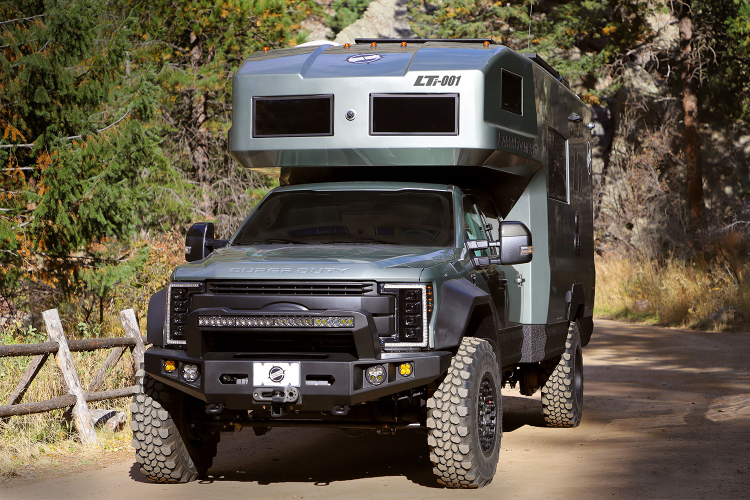EarthRoamer LTi RV driving in the outdoors