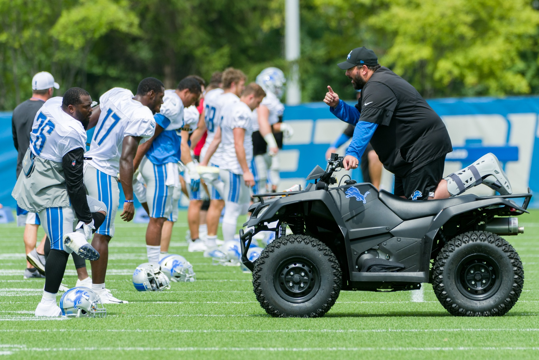 Detroit Lions head coach Matt Patricia talks to players during training camp.