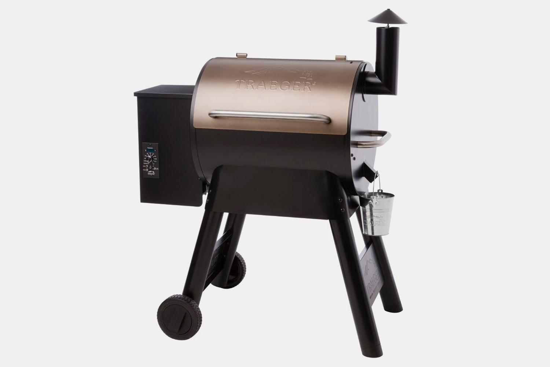"Wood Pellet Grill: Traeger 41"" Pro Series 22"