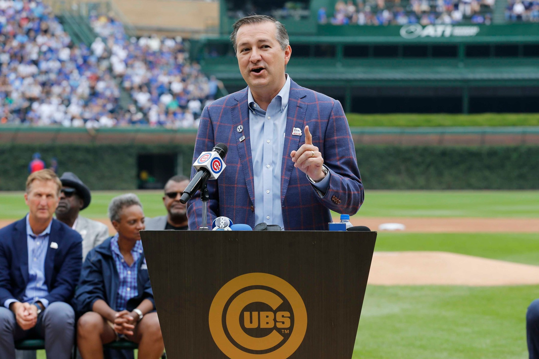 cubs owner tom ricketts