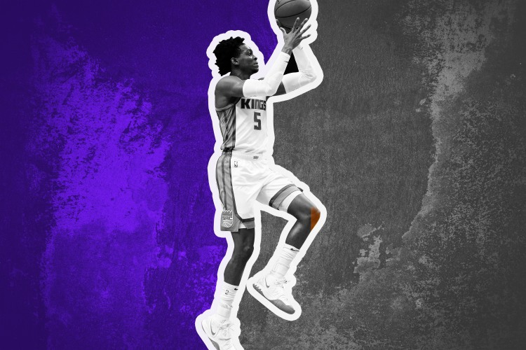 De'Aaron Fox shoots