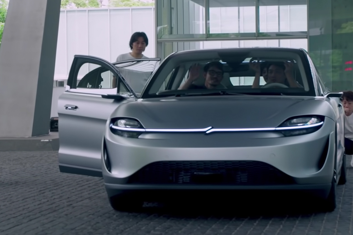 Sony Vision-S concept car in a new YouTube video from Tokyo