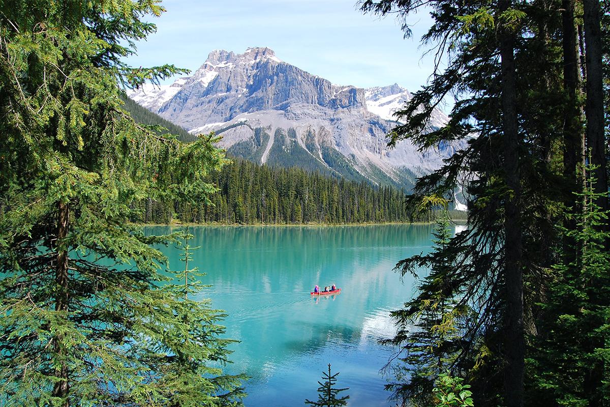 Emerald Lake in British Columbia, Canada