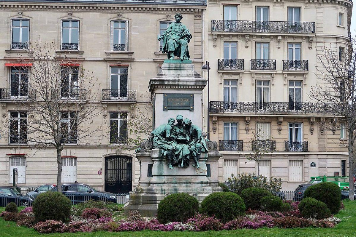 Monument Dumas