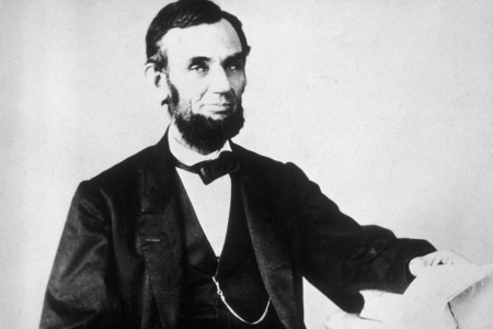 black and white image of U.S. President Abraham Lincoln
