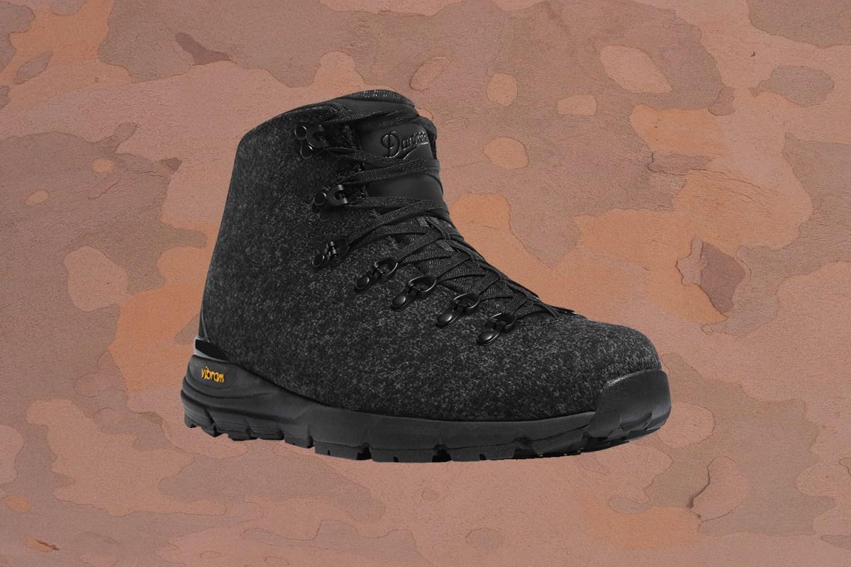 Danner Mountain 600 Enduroweave black hiking boots for men
