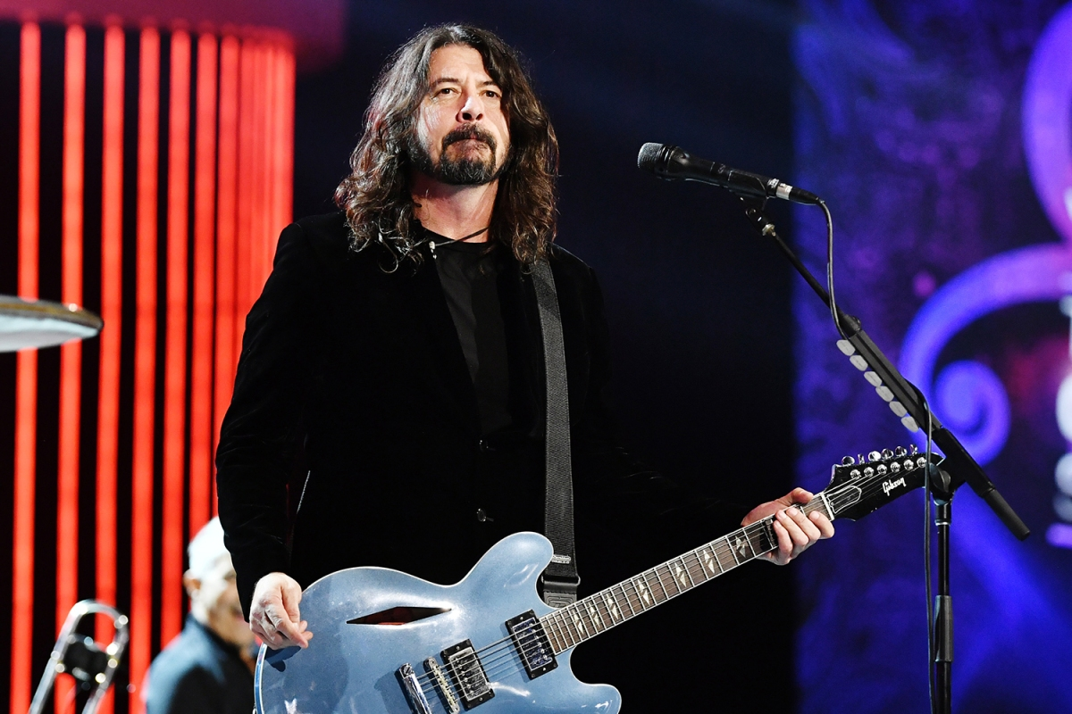 Dave Grohl of Foo Fighters performing during the Prince tribute at the Grammy Awards in 2020