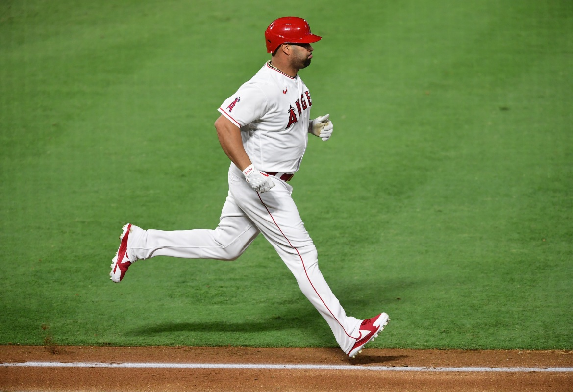 Albert Pujols passed WIllie Mays for fifth in home runs with 661.