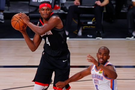 Danuel House leaves the bubble after violating safety protocol