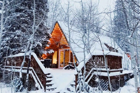 Escape to the Slopes This Holiday Season With These 7 Airbnbs