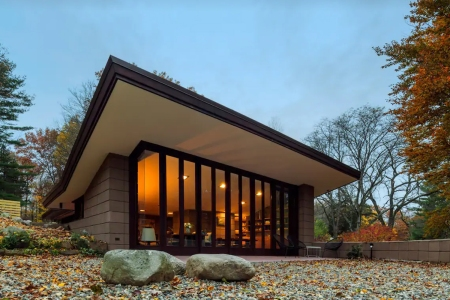 Stay at Frank Lloyd Wright's Eppstein House