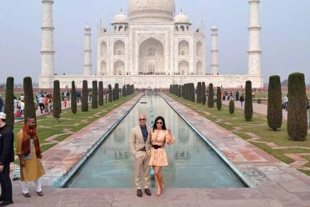 Amazon CEO Jeff Bezos and his girlfriend Lauren Sanchez at the Taj Mahal in January 2020