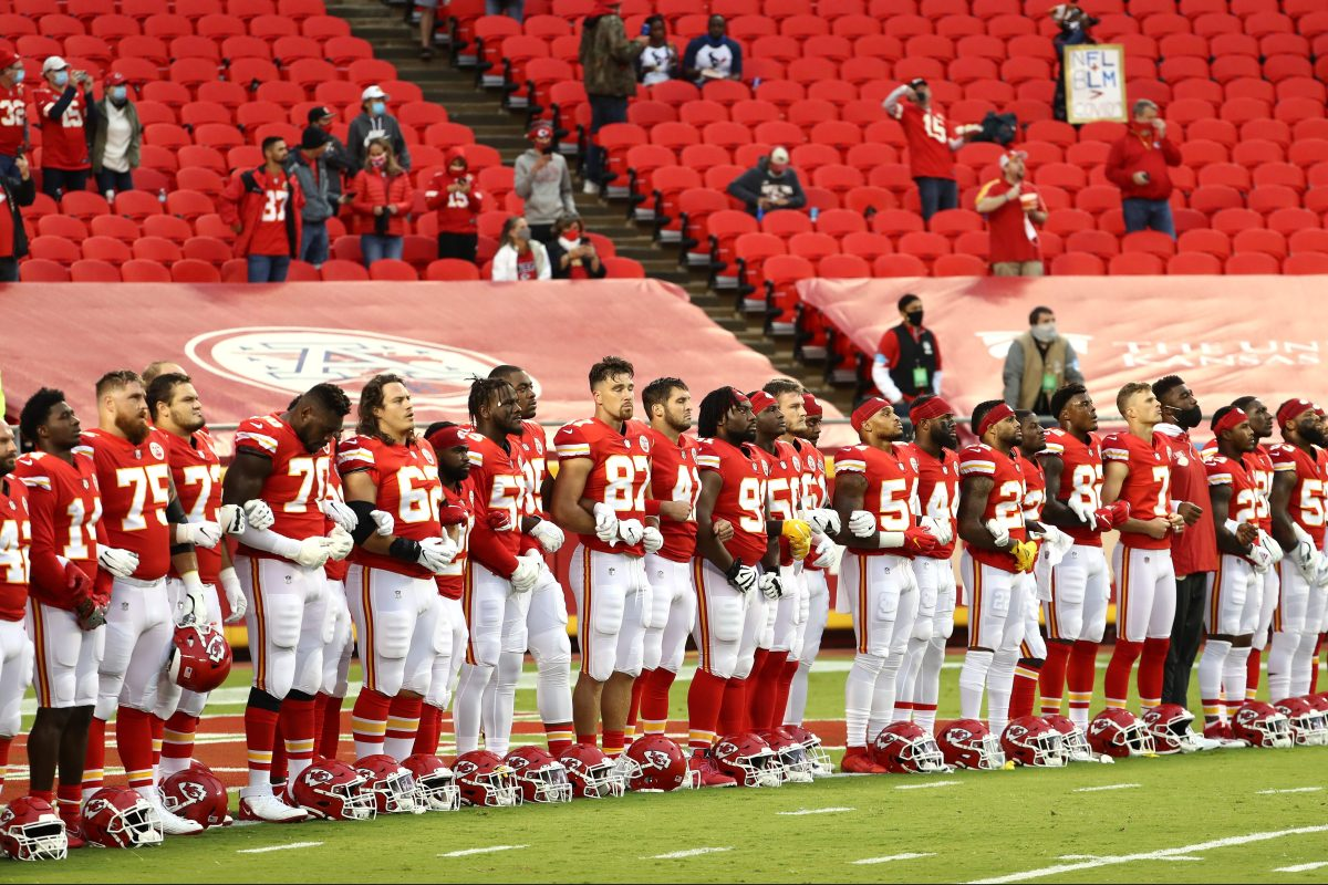 Kansas City Fans Boo Players Protesting Racism With Moment of Unity