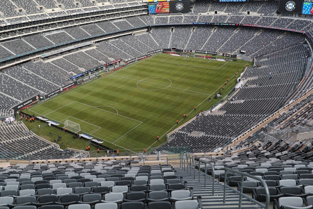 """NFL Says MetLife Stadium's """"Trash"""" Turf Is Safe for Play"""