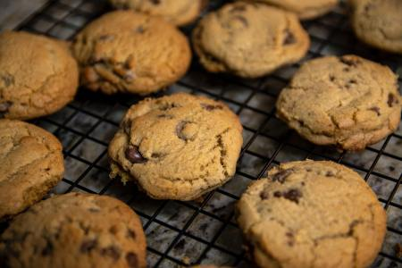 fresh baked cookies on a cooling rack