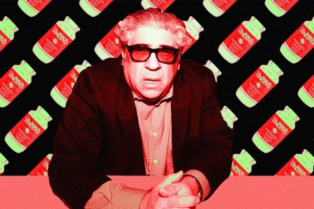 Vincent Pastore and his Italian sauce