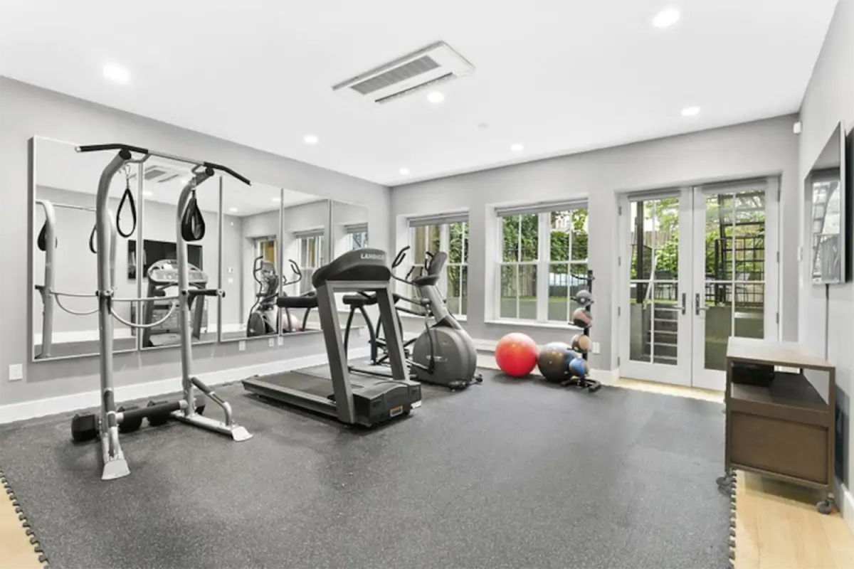 10 Airbnbs With Home Gyms for Working Out While on Vacation