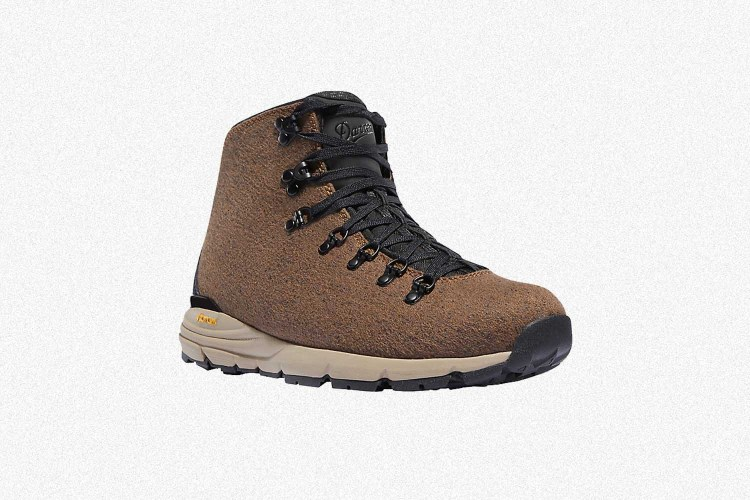 Deal: The Reliable, Good-Looking Danner Mountain 600 Is on Sale