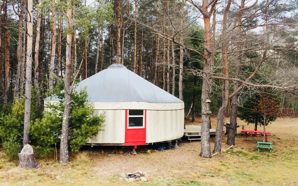 Yurt Airbnb : Unvergessliche reisen beginnen mit airbnb.
