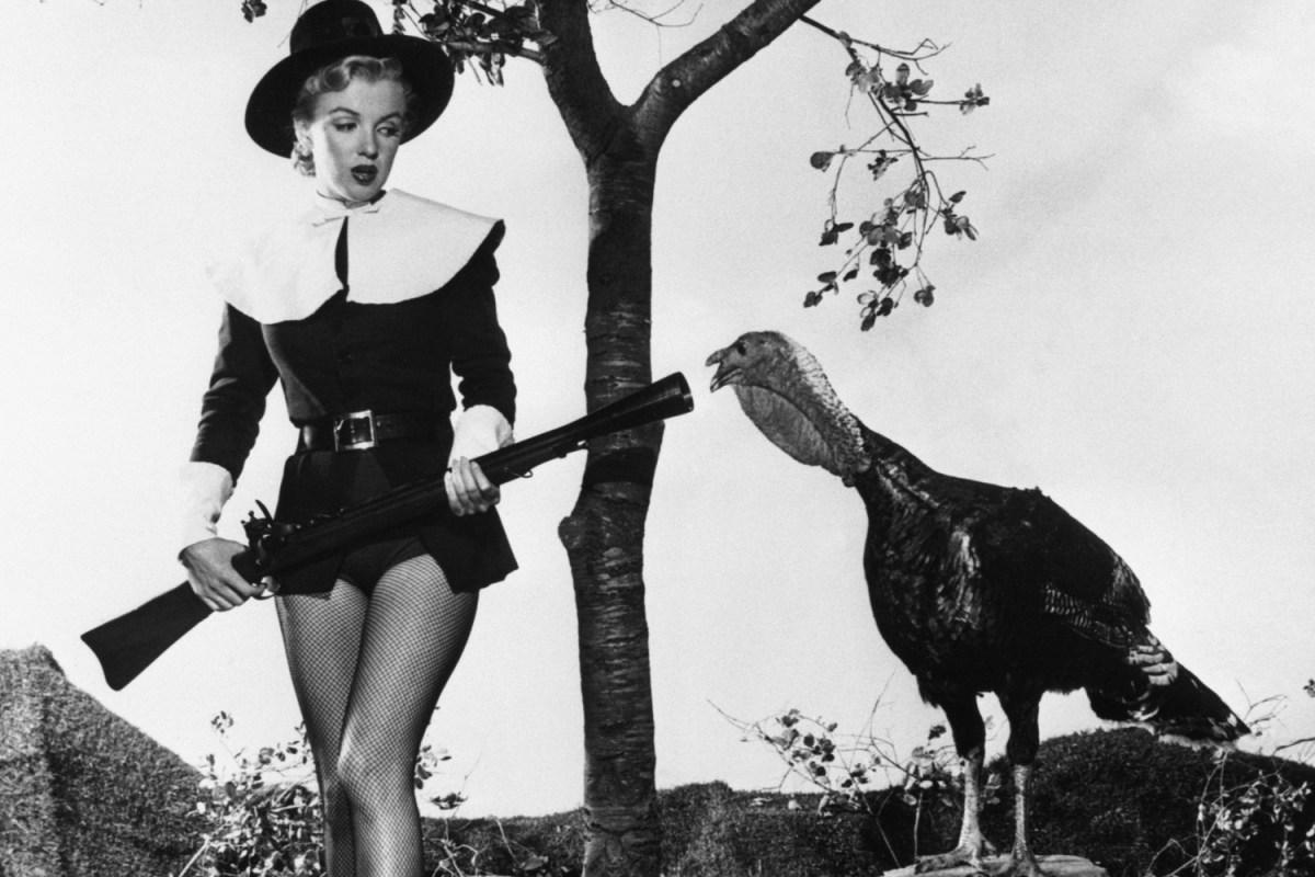 marilyn monroe posing with a turkey