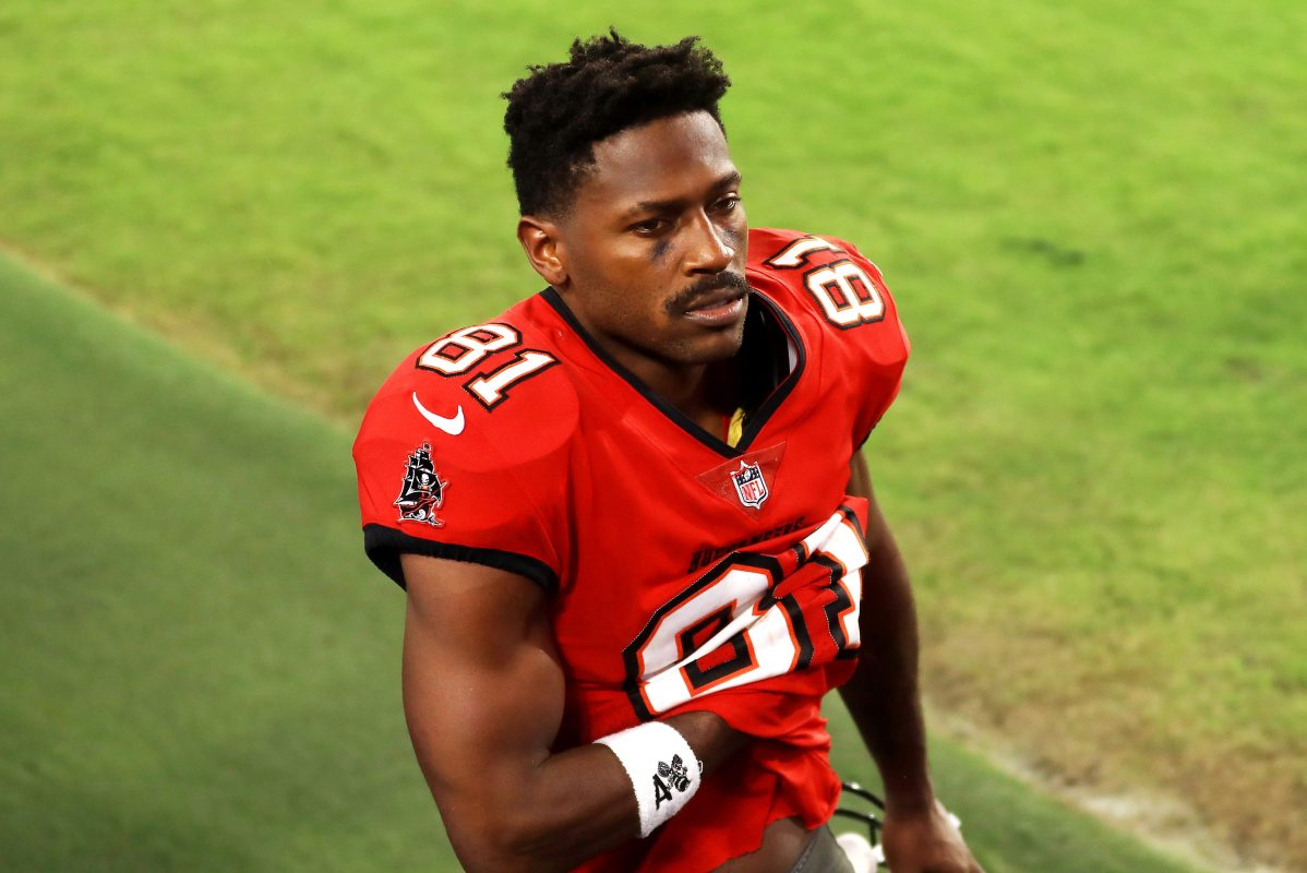 Report: Antonio Brown Had Another Off-Field Incident Prior to Buccaneers Signing