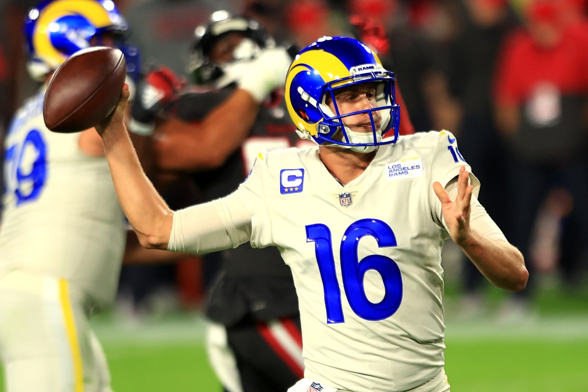 """Tom Brady Outplayed by Jared Goff as Rams Beat Bucs on """"Monday Night Football"""""""