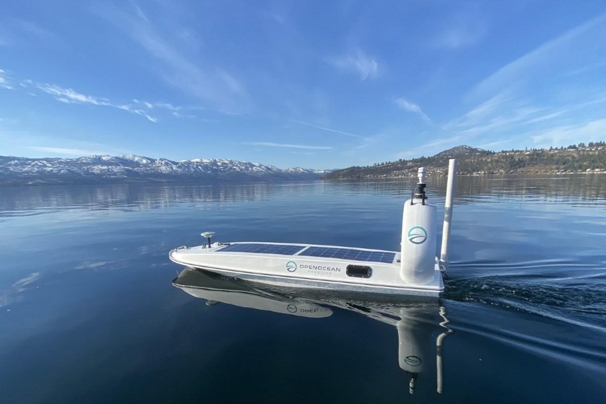 Robot boat