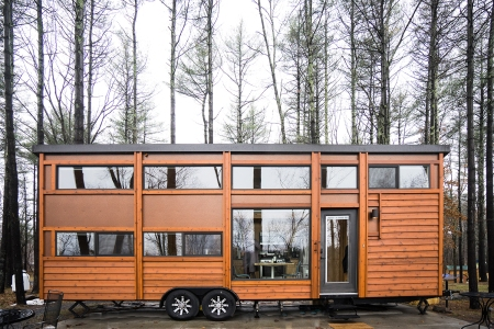Review: In the Catskills, A Tiny House Resort Looms Large