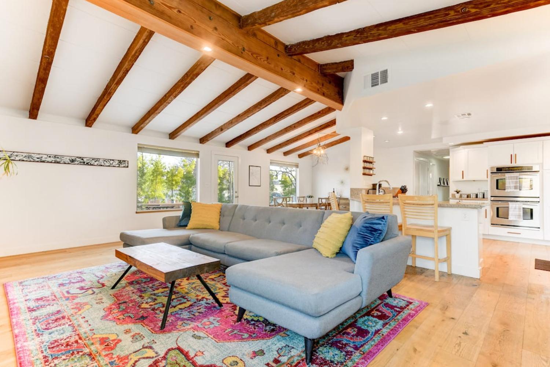 Mid-Century Modern Retreat San Diego California