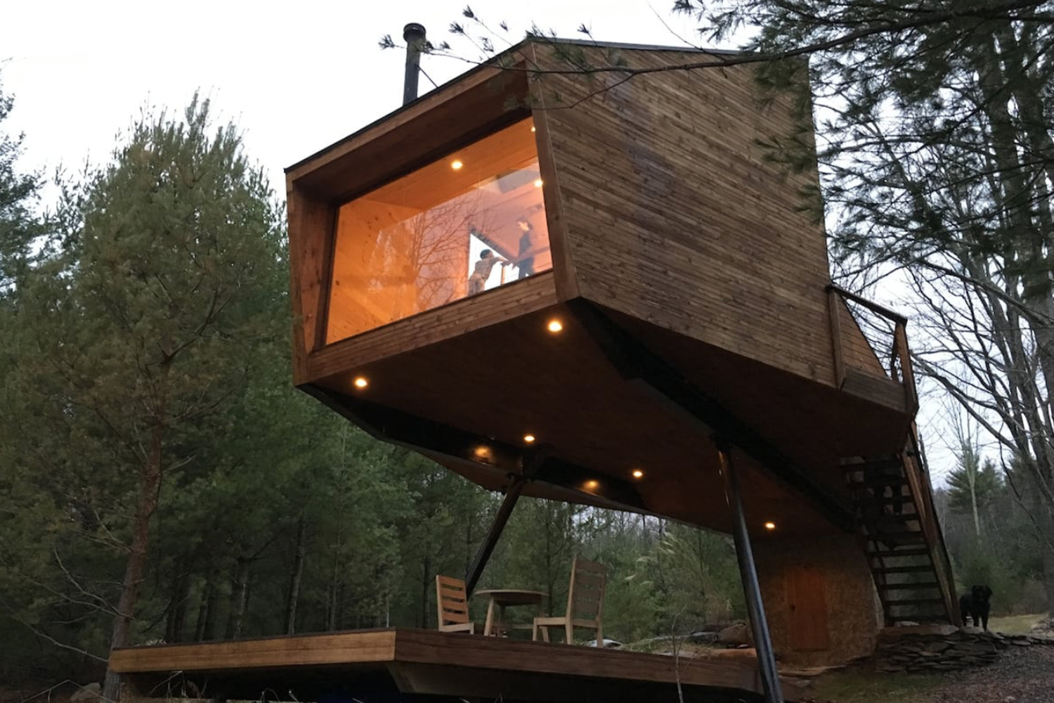 Secluded Romantic Willow Treehouse