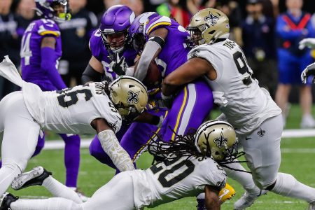 Expert NFL Picks for Week 16, Including Vikings-Saints and Titans-Packers