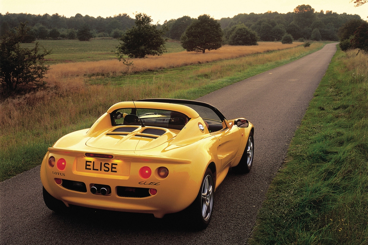 Lotus Elise Series 2 in yellow
