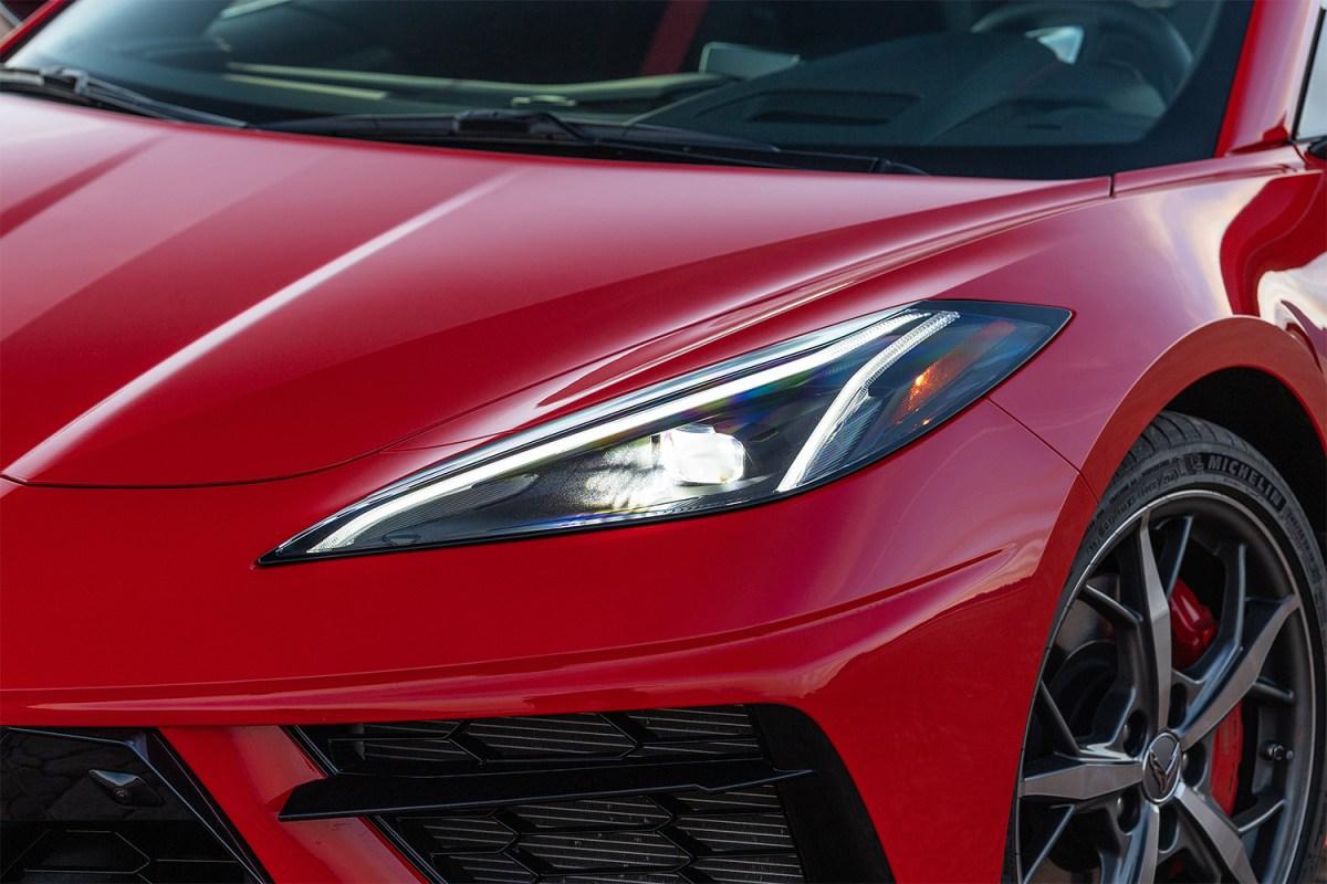 Chevrolet C8 Corvette Stingray headlights