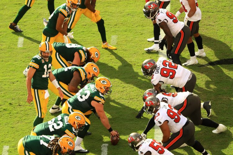 Expert NFL Picks for Bucs-Packers and Bills-Chiefs