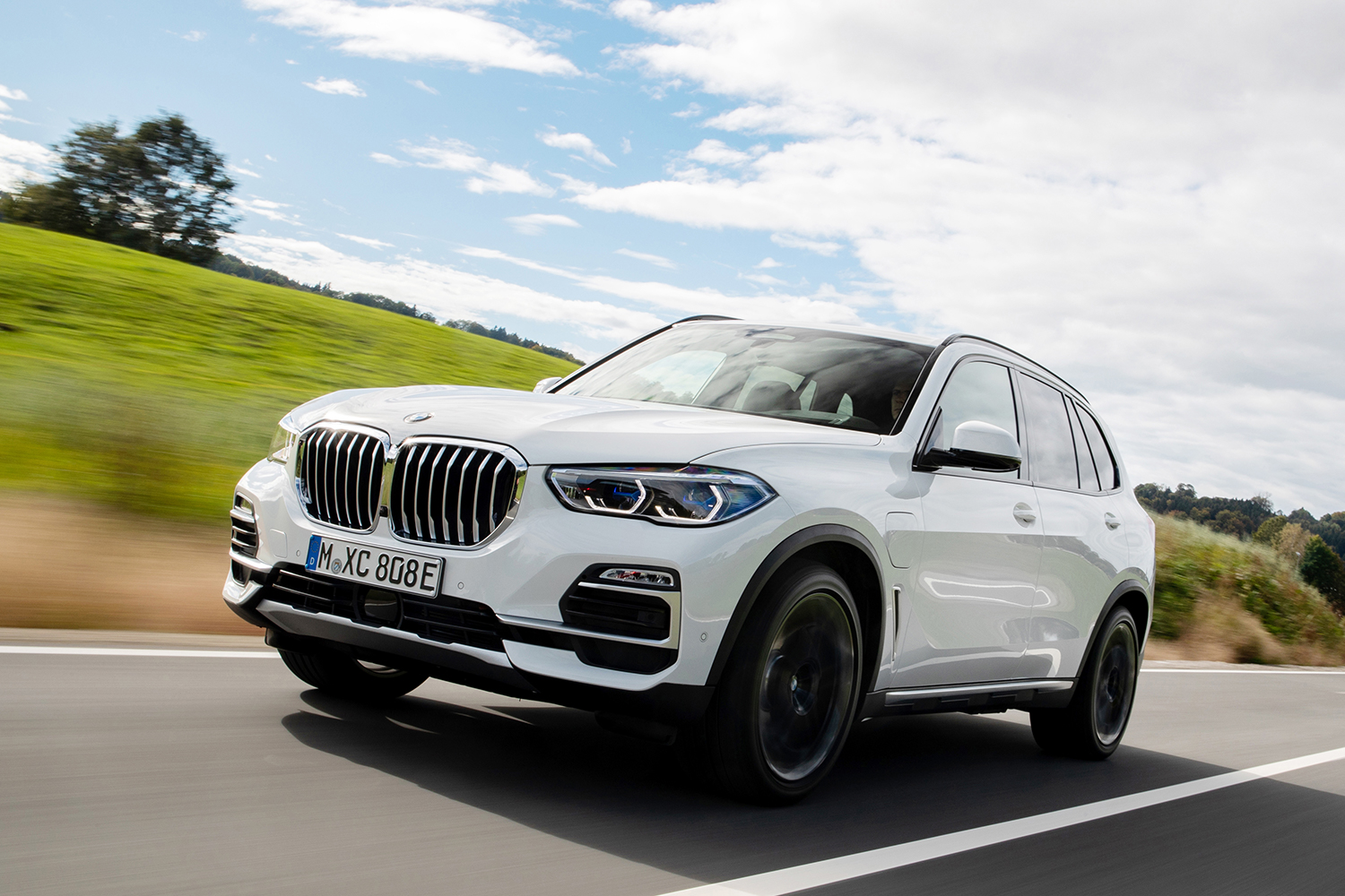 Review The Plug In 2021 X5 Xdrive45e Is Bmw S Best Suv Insidehook